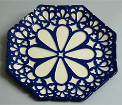 blue and white rectangle plates